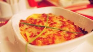 Lasagne Bolognaise maisonaccompagnée de salade